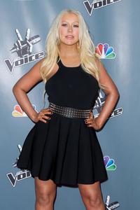 [Fotos+Videos] Christina Aguilera en la Premier de la 4ta Temporada de The Voice 2013 - Página 4 Th_985894607_Christina_Aguilera_37_122_340lo