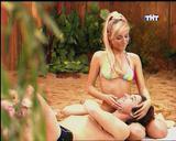 http://img31.imagevenue.com/loc348/th_07605_sag_bikini.0_00_56.541_122_348lo.jpg