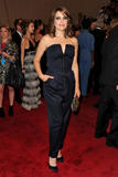 Tina Fey @ The ''American Woman - Fashioning A National Identity'' Met Gala in NYC - May 3, 2010 (x6)