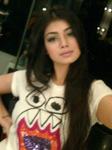 Ayesha Takia (Indian actress) -  Cute Twitter Pics - x2