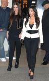 Kim Kardashian (Ким Кардашьян) - Страница 6 Th_43881_celebrity-paradise.com-The_Elder-Kim_and_Khloe_Kardashian_2009-12-08_-__Alexa_Chung_122_489lo