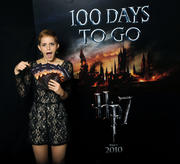 http://img31.imagevenue.com/loc494/th_44962_Emma_Watson_promoting_the_latest_and_final_Harry_Potter4_122_494lo.jpg