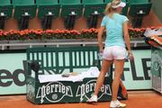 http://img31.imagevenue.com/loc580/th_888284656_sharapova108_123_580lo.JPG
